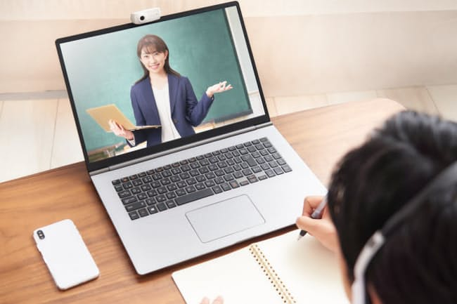 "〈web連載:日経電子版""NIKKEI STYLE"" 〉仕事に役立つ学び 個人仕様にカスタマイズする時代へ"